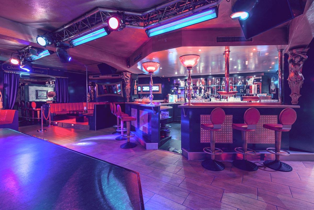 Galerie   Tabledance Club in Frankfurt   Pure Platinum